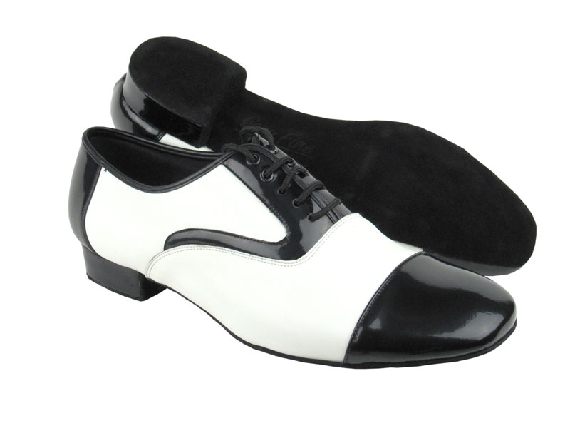 C916102 White Leather & Black Patent